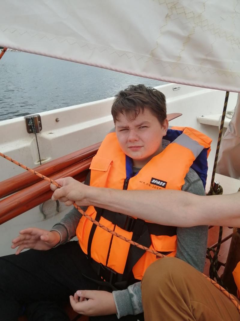 К празднику ВМФ в Москве возобновил свою деятельность детский морской центр имени Петра Великого