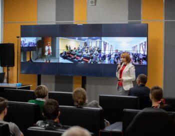 В День финансиста в «Кибершколе» прошёл первый вебинар для московских школьников в рамках образовательного проекта «Финансовая киберграмотность».