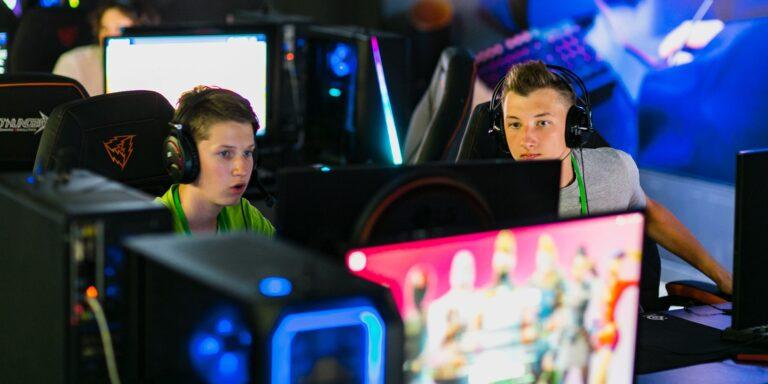Более 20 тысяч школьников приняли участие в киберспортивных турнирах за год
