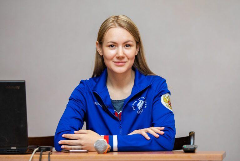 Чемпионка России по пулевой стрельбе Ева-Мария Бурлакова провела мастер-класс для школьников