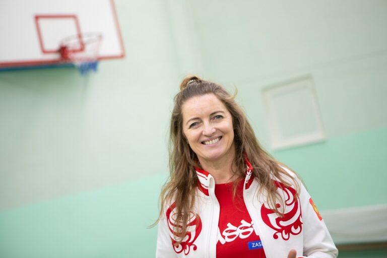 «Урок с чемпионом»: олимпийская чемпионка Ирина Сумникова провела мастер-класс для школьников