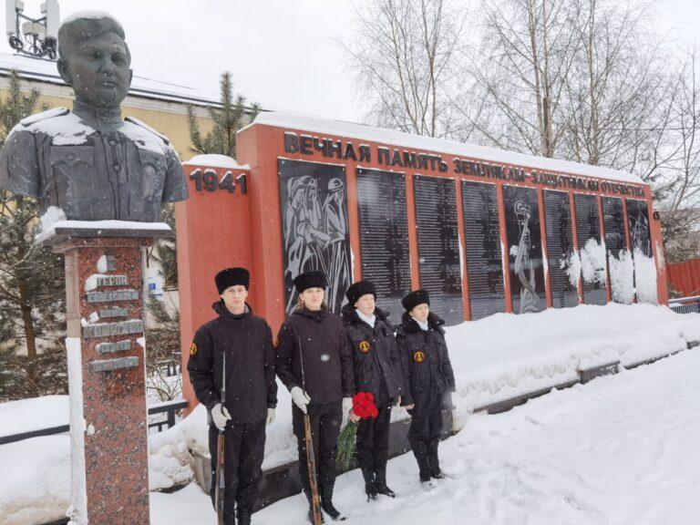 Юные морские пехотинцы почтили память моряков — защитников Москвы