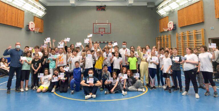 Футболист Андрей Соломатин провел мастер-класс для учеников школы № 1579