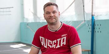«Урок с чемпионом»: Николай Лукьянов провел для школьников мастер-класс по фехтованию на колясках