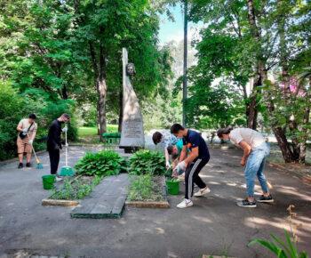 Уход за памятниками