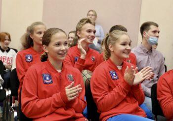 Участники всероссийских школьных соревнований получили свои награды