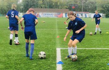 Все на футбол: для столичных школьников пройдут спортивные мастер-классы
